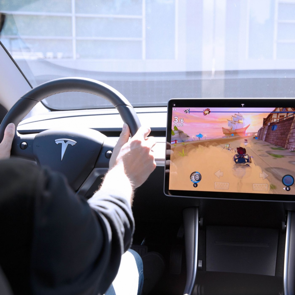 Tesla Arcade uses steering wheel for controlling games of infotainment systems